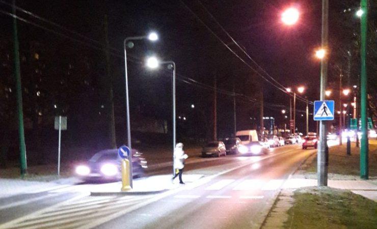 Tychy:  oświetlenia wertykalne na przejściach dla pieszych