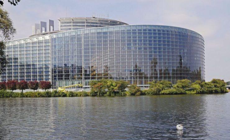 Dowiedz się więcej o Parlamencie Europejskim