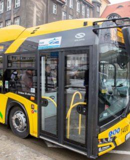 autobus elektryczny, Katowice, prezydent miasta Krupa fot. mat. prasowe